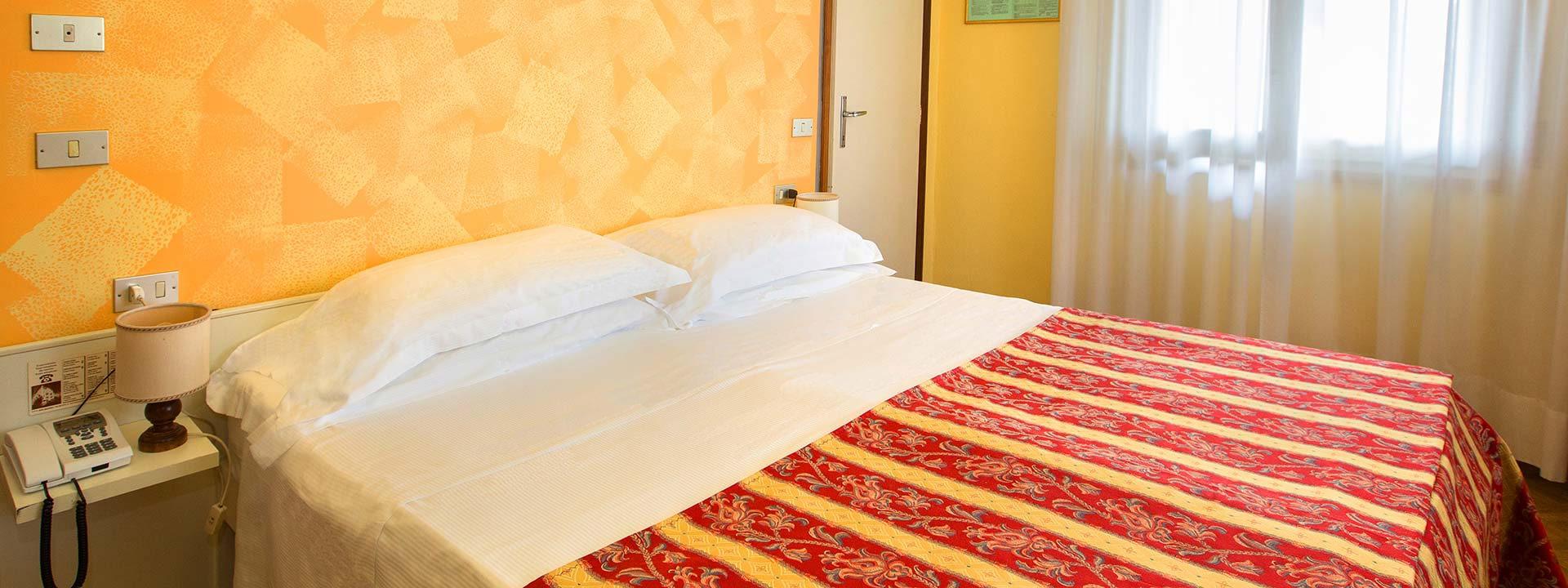 Dormire a salsomaggiore terme in hotel 3 stelle albergo nazionale - Piscina termale salsomaggiore ...