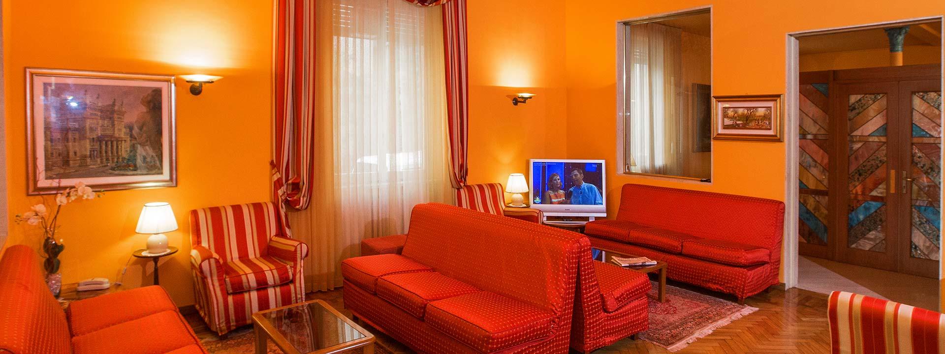 Hotel con parcheggio gratis a salsomaggiore terme albergo nazionale - Piscina termale salsomaggiore ...